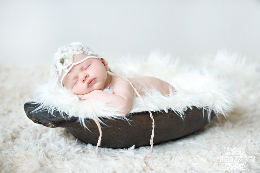 0007Shiloh Grace San Diego Newborn Photography Newborn Photographer Newborn Portraits Brides By Brittany Crown Tiara Miss California