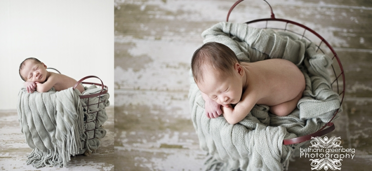 I have had quite a few sibling in my newborn sessions lately i photographed baby cs older brother a couple years back and was excited to see him as well